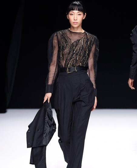 Pantalon tailleur La Défense ©MiratParis